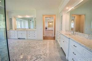 a new house for kylie jenner in hidden hills ca With kylie jenners bathroom