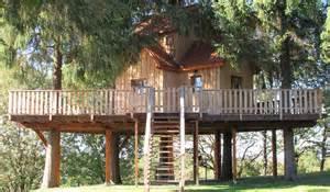 maison en bois dans les arbres maison en bois dans les arbres maison moderne