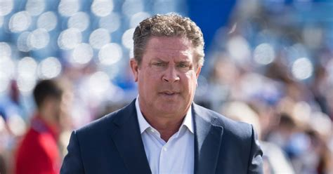 marino weighs   possibility  miami dolphins