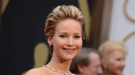 Hollywood's Leading Actresses Rail Against Pay Disparity