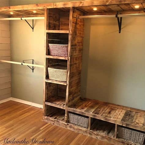 Diy Walk In Closet Organization Ideas by 9 Fresh Sliding Closet Door Design Ideas Around The