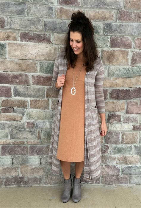 grey cotton dress paired with shiny black best 25 gray wedges ideas on