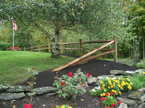 split rail fence landscaping pinmydreambackyard split rail fence just a couple sections and then end it like this to