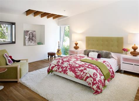 Bedroom Rug Ideas Contemporary With Mirrored Dresser