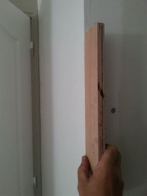 faire un cadre de porte r 233 alisez une porte de placard toute simple reussir ses travaux