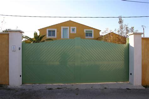 pin portail battant alu syracuse la maison du on