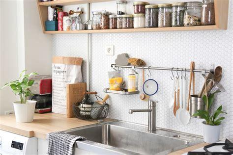 idee etagere cuisine idées déco cuisine crédence et étagère ouverte