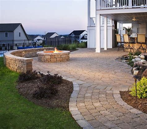 best ideas about firepit curved firepit paver and