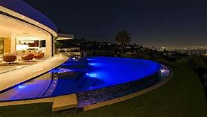 Minecraft creator Notch buys Beverly Hills mansion for ...