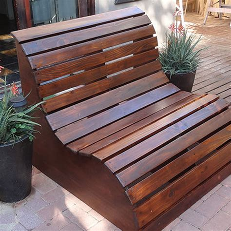 Diy Garden Bench by How To Make Slatted Garden Bench Diy Crafts Handimania