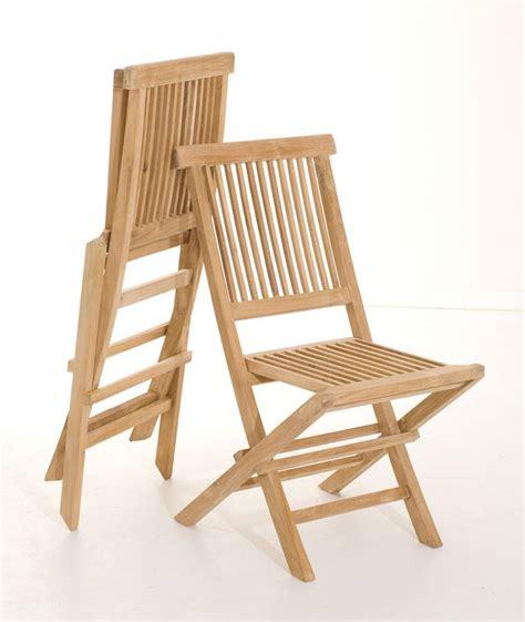 chaises pliantes bois salon de jardin en teck sumbara 18 1 table ronde et 4