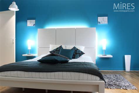 chambre parentale bleue chambre moderne bleu chambre à coucher design déco