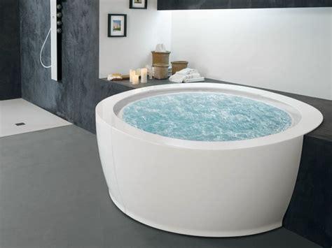 petite baignoire d angle et solutions pour petits espaces