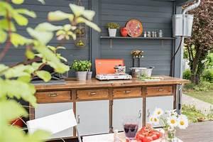 diy upcycling outdoor kuche aus einer werkbank leelah With französischer balkon mit upcycling für meinen garten