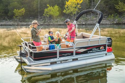 Bass Tracker Boats Cabela S by Sun Tracker Boats Fishing Pontoons 2018 Bass Buggy 16