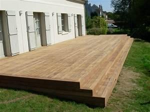 Modele De Terrasse Exterieur : terrasse bois avec escalier nos conseils ~ Teatrodelosmanantiales.com Idées de Décoration