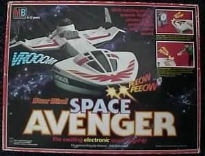 Light Out Milton Bradley Star Bird Space Avenger