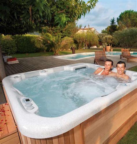 quel spa gonflable choisir quel type de spa choisir portable encastrable gonflable de nage