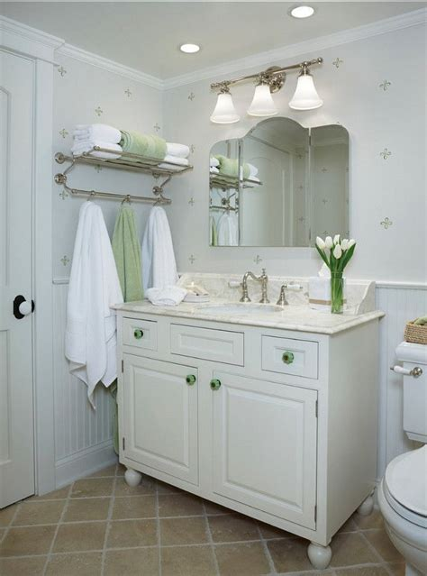 Cottage Bathroom Ideas by Best 25 Small Cottage Bathrooms Ideas On