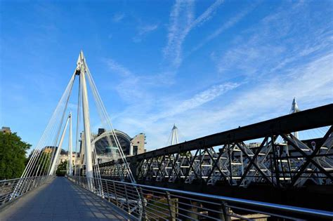 hungerford pedestrian bridge london  architect