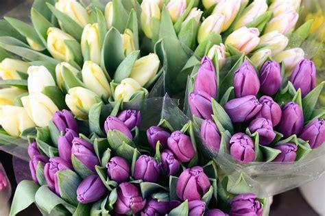 Skaistākais veids kā iepriecināt mīļoto - ziedi - RĪGAS ...