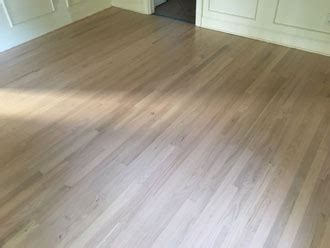 Whitewashed Refinished Red Oak Flooring   Sawgrass TPC