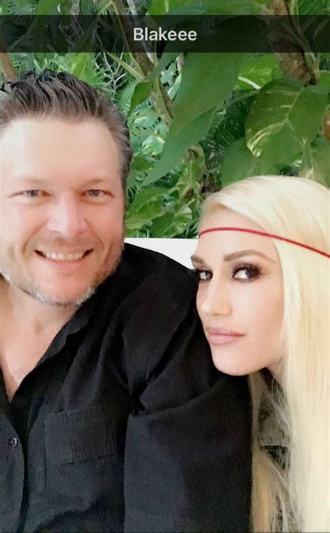 blake shelton gwen stefani song gwen stefani joins blake shelton onstage for surprise