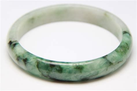 Green Jade Bangle , Chinese Green Jade Bangle, Burmese. Different Rings. Lavender Wedding Rings. Gemstone Lockets. Wide Band Womens Wedding Rings. Colorless Sapphire. Religious Bracelet. Cage Pendant. Chloe Bracelet
