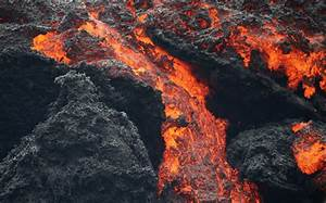 Roaring Like Jet Engines  New Crack Opens At Hawaii