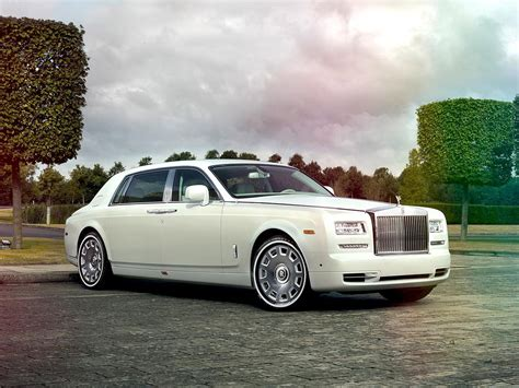 roll royce rolls royce introduces bespoke jade pearl phantom