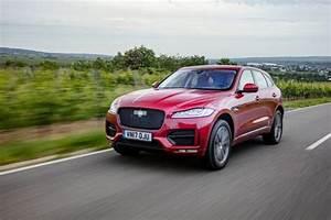 Jaguar 4x4 Prix : essai jaguar f pace 25d awd 2017 notre avis sur le diesel 240 ch l 39 argus ~ Gottalentnigeria.com Avis de Voitures