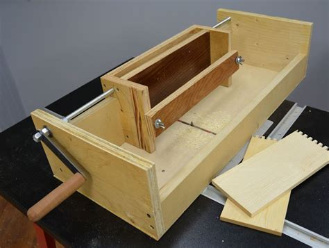 making  box joint jig   router table box joint