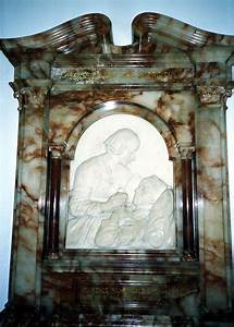 File:Florence Nightingale's memorial, crypt of St Paul's ...