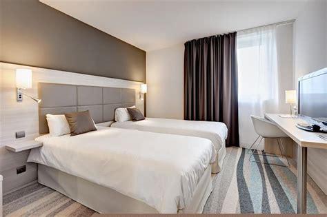 chambre futuroscope chambre 2 lits à 1h30 du futuroscope brit hotel