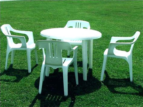 Lawn Table And Chairs by White Plastic Garden Table And Chairs Amaryllis For