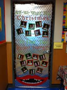 Christmas Classroom Door Decoration Idea