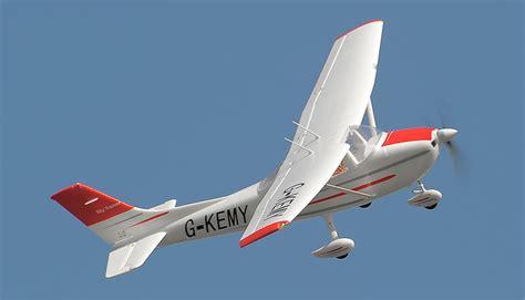 Aerosky Rc Sky Trainer Rc Plane W/ Flaps 4 Channel 2.4ghz