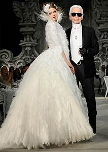chanel39s bridal collection at paris haute couture 2012 With robe karl lagerfeld