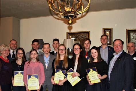 Pasniegtas Rotari stipendijas | eLiesma
