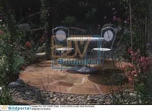 Runder Holztisch Garten : details zu 0003116881 gepflasterter runder sitzplatz djv bildportal ~ Markanthonyermac.com Haus und Dekorationen