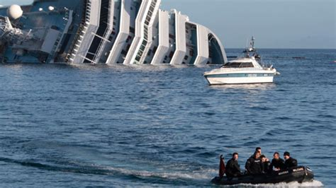 cruise ship sinking italian cruise ship sank gawker
