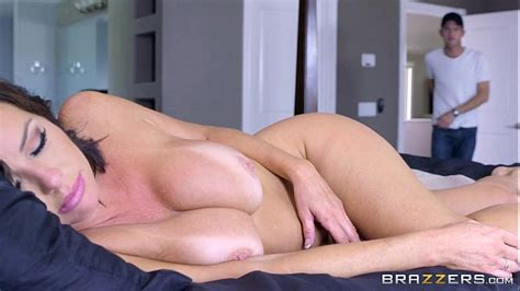 brazzers veronica avluv mommy got boobs xvideos