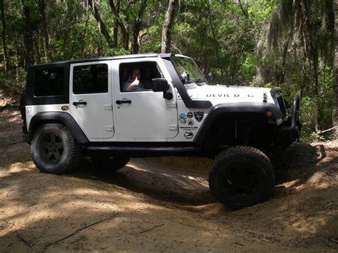 plasti dip jeep blue plasti dip while wheels on jeep jeep wrangler forum