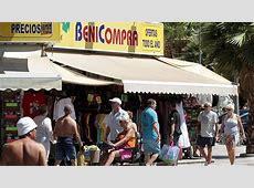 Zona de tiendas en la localidad alicantina de Benidorm