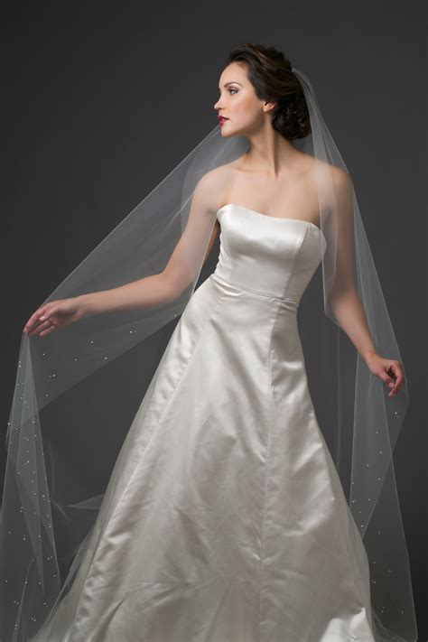 Toni Federici Narrow Cut Chapel Length Veil With Pearl And
