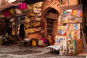 Discover the wealth of the medina of Marrakesh and its souks