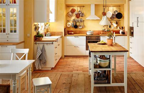 cuisine chaleureuse cuisine traditionnelle en bois photo 7 12 voici une