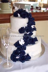 navy blue wedding cake best 25 navy wedding cakes ideas on navy blue wedding cakes navy wedding themes