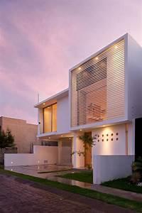 decoration facade maison idees modernes et jolies With eclairage exterieur facade maison