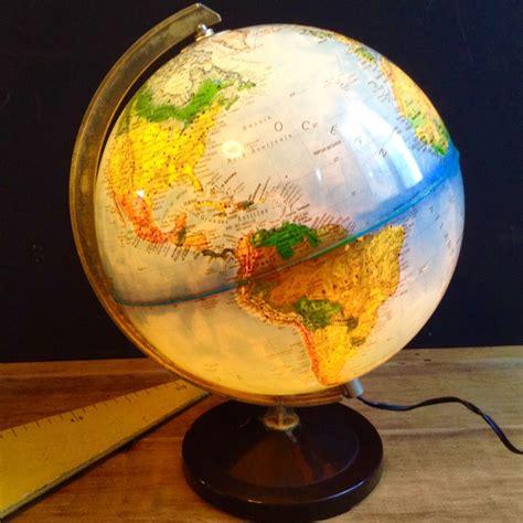 globe terrestre mappemonde lumineux le electrique